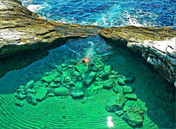 Las mejores piscinas naturales del mundo for Piscinas insolitas