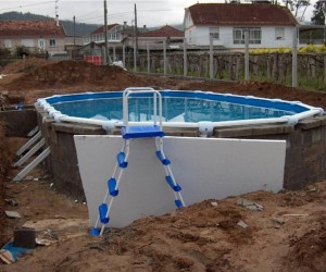 Como enterrar una piscina desmontable for Bloques para piscinas